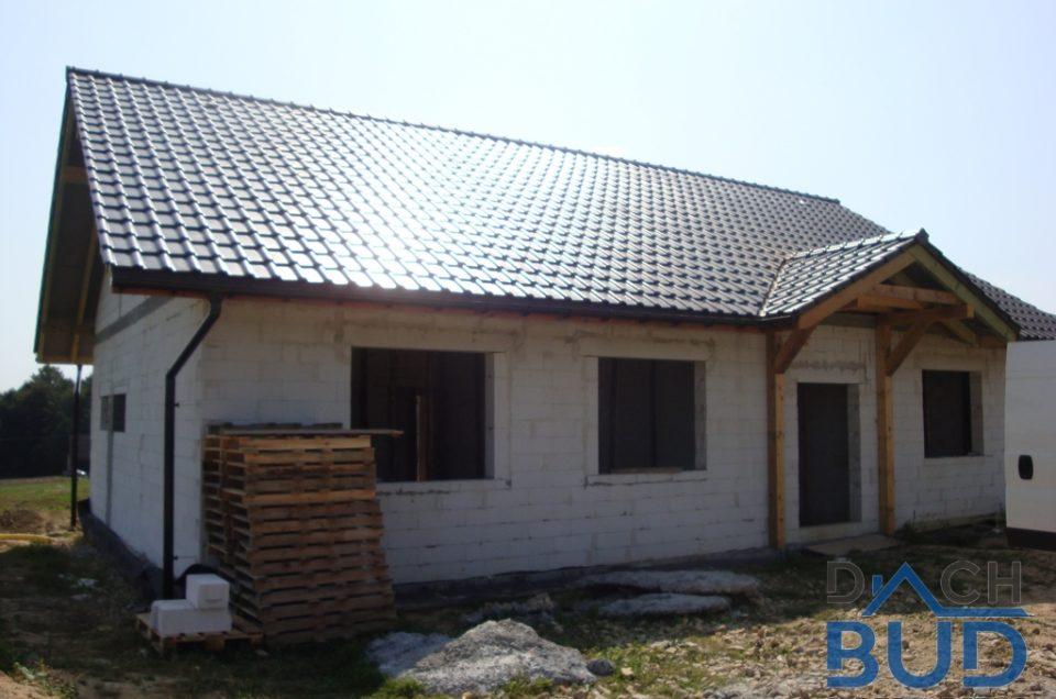 Dach kryty dachówką ceramiczną Roben Piemont w Starej Wsi